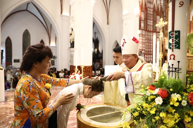 16140 btkt 6 - 28 Tân tòng ra mắt tại Nhà thờ Chính tòa Hà nội