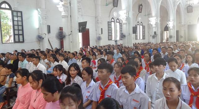 16141 chau luot 6 - Giáo xứ Đại ơn: Ngày chầu Thánh Thể 2019