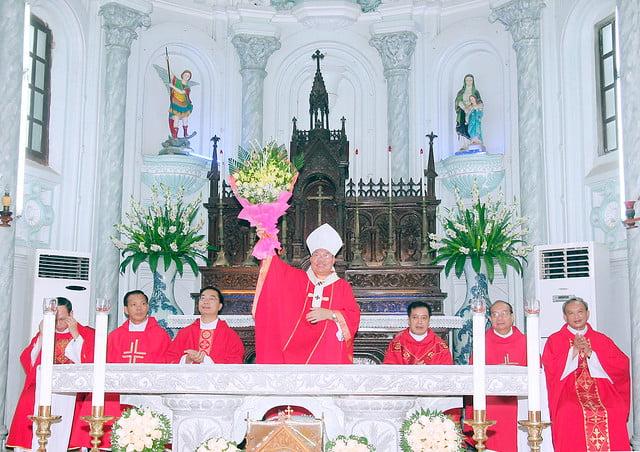 16168 them suc 6 - Giáo xứ An Phú: 175 em lãnh nhận ấn tín ơn Chúa Thánh Thần