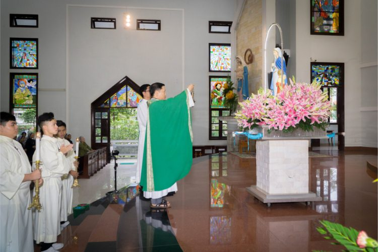27082019 151428 4 750x500 - Giáo xứ Phú Bình: Mừng bổn mạng hội Các Bà Mẹ Công Giáo
