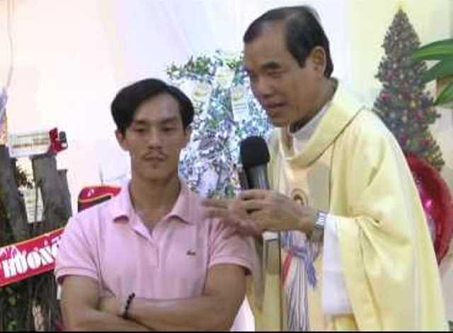cha lonh1 zpsutigwslg - Cha Giuse Trần Đình Long - Người Mục Tử Đầy Mùi Chiên