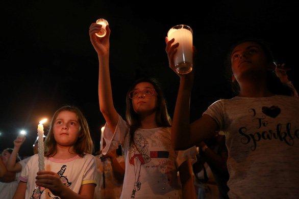 duc thanh cha cau nguyen - Đức Thánh Cha cầu nguyện cho các nạn nhân trong ba vụ xả súng tại Mỹ
