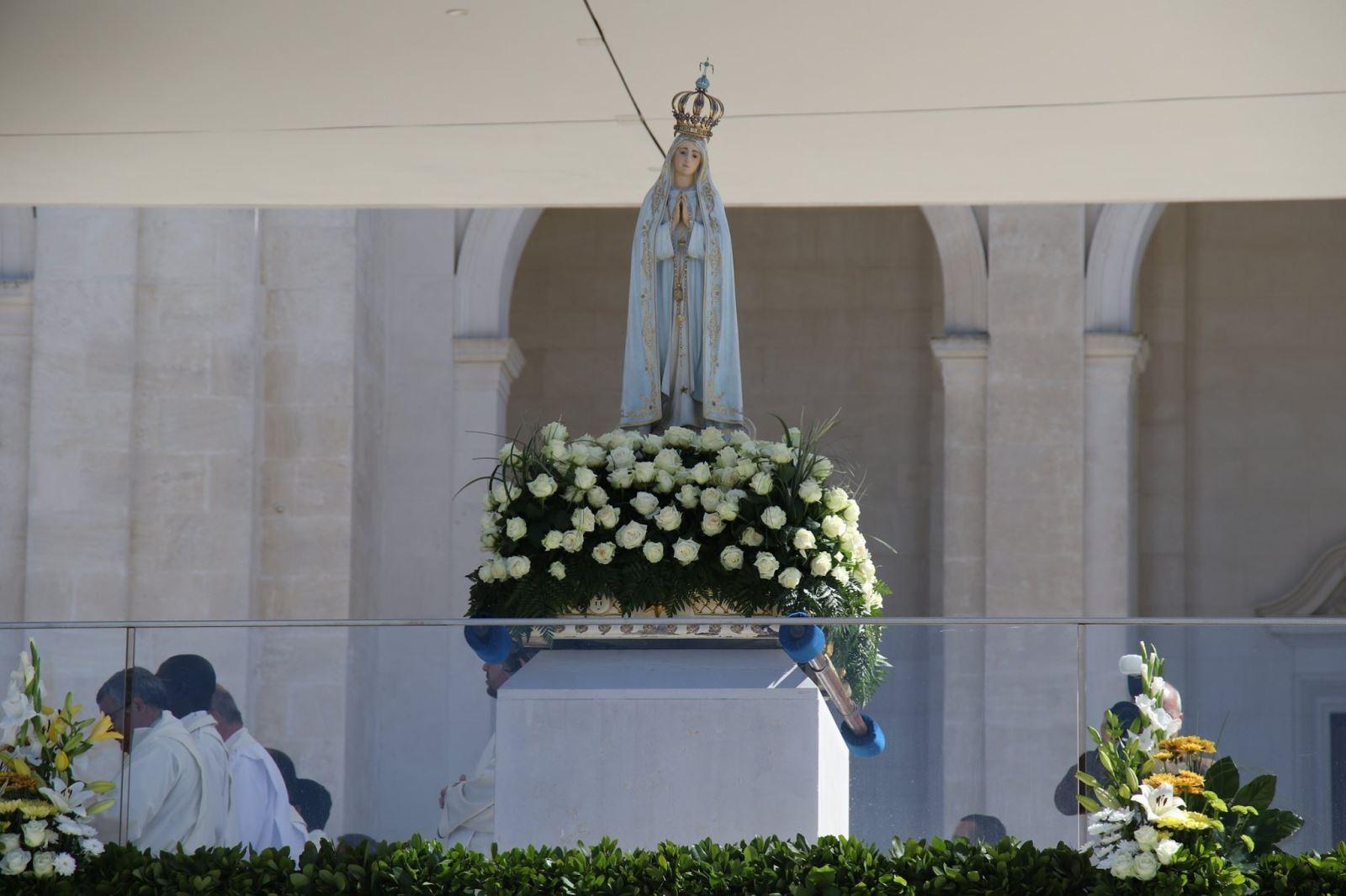 hinh chinh1 - Đại lễ Đức Mẹ Hồn Xác Lên Trời tại Fatima, Bồ Đào Nha