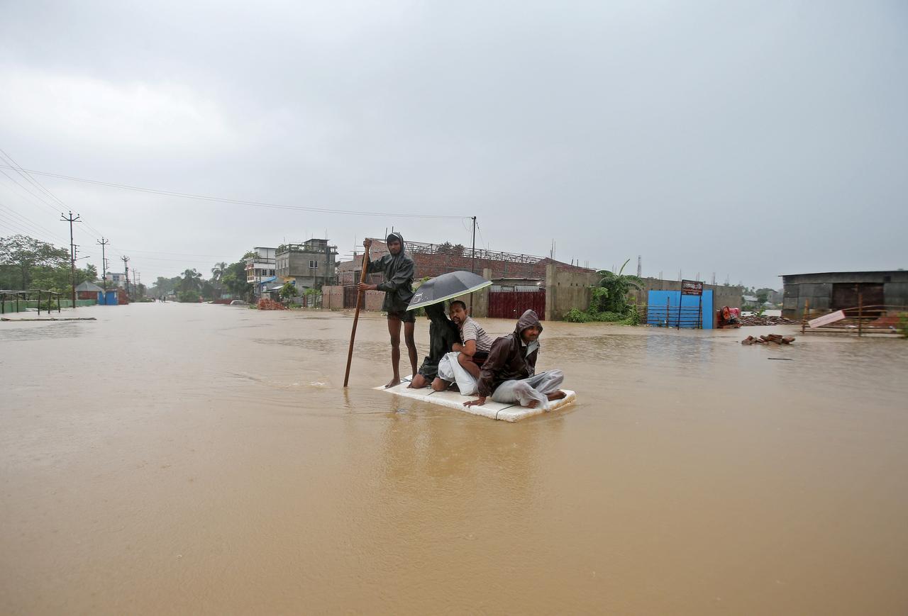 india 1 - Caritas Ấn Độ hỗ trợ nạn nhân lũ lụt