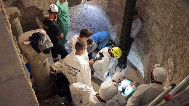 khai quat nghia trang 750x422 - Tuyên bố của Tòa Thánh về cuộc khai quật ngày 20 tháng Bẩy tại nghĩa trang Teutonic của Vatican