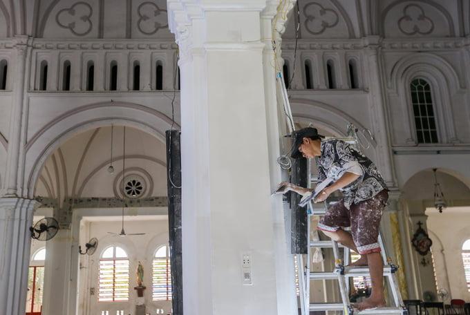 nha tho cho quan1 - Nhà thờ gần 300 tuổi cổ xưa nhất Sài Gòn
