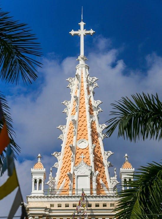 nha tho co xua1 - Nhà thờ gần 300 tuổi cổ xưa nhất Sài Gòn