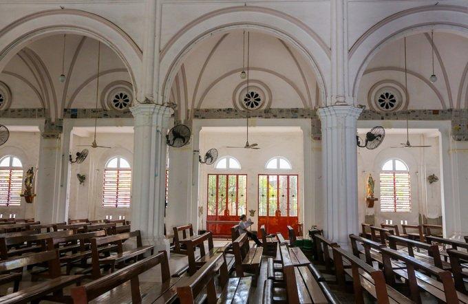 nha tho co xua3 - Nhà thờ gần 300 tuổi cổ xưa nhất Sài Gòn