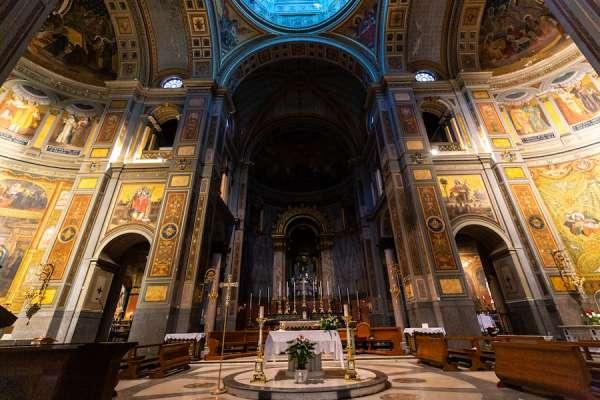 nha tho la ma2 - Nhà thờ La Mã này là một món quà của người Công giáo trên khắp thế giới cho Leo XIII