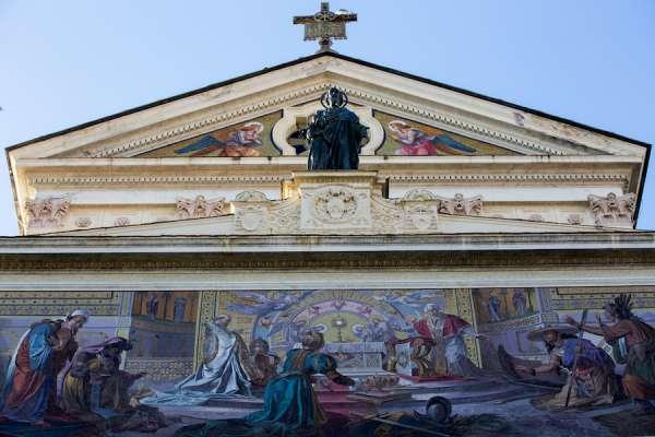 nha tho la ma4 - Nhà thờ La Mã này là một món quà của người Công giáo trên khắp thế giới cho Leo XIII