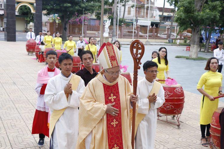 phanxico 04 750x500 - Thánh lễ kỷ niệm 90 năm hồng ân Dòng Phanxicô hiện diện trên đất Việt