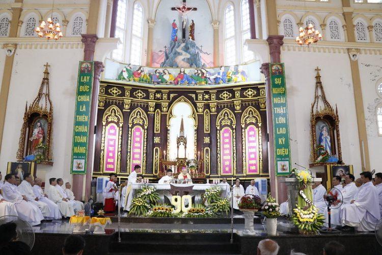 phanxico 06 750x500 - Thánh lễ kỷ niệm 90 năm hồng ân Dòng Phanxicô hiện diện trên đất Việt
