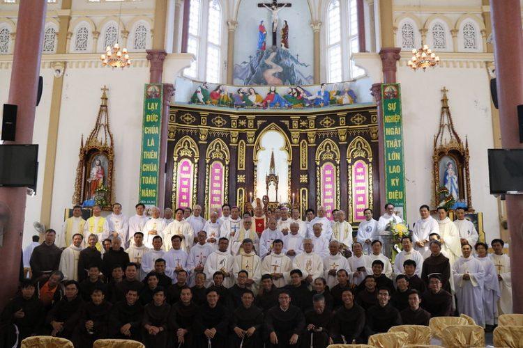 phanxico 08 750x500 - Thánh lễ kỷ niệm 90 năm hồng ân Dòng Phanxicô hiện diện trên đất Việt