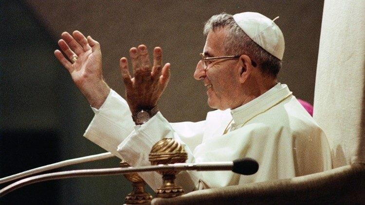 thanh giao hoang phaolo vi 750x421 - Vị Giáo hoàng đầu tiên viếng thăm châu Phi
