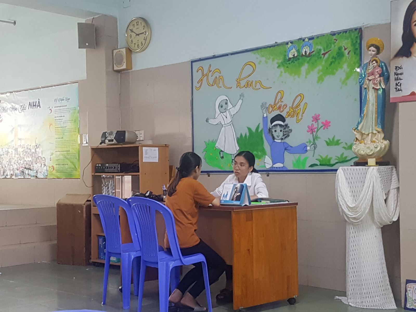 tu van thong tin tuyen sinh cho tan sinh vien o luu xa hoa hung - Lưu xá Công giáo ở Sài Thành mở cửa đón tân sinh viên