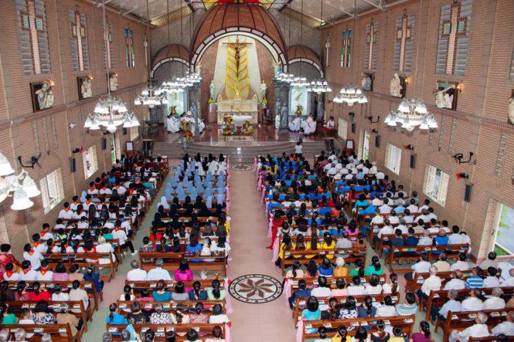 02092019 183059 10 750x499 - Thánh lễ nhậm chức chánh xứ tại Giáo xứ Hoàng Mai