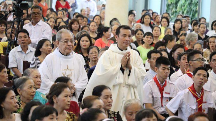 03092019 082630 2 750x422 - Đón Linh mục tân chánh xứ tại Giáo xứ Hy Vọng