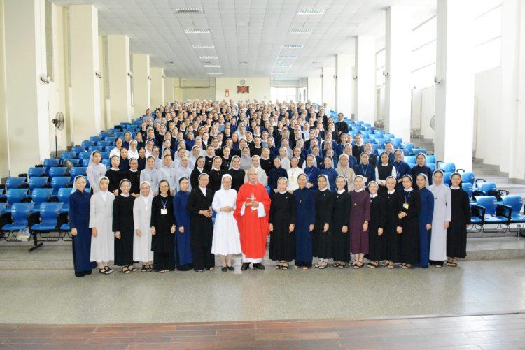 03092019 101226 11 750x501 - Liên Dòng Nữ khai giảng năm học mới