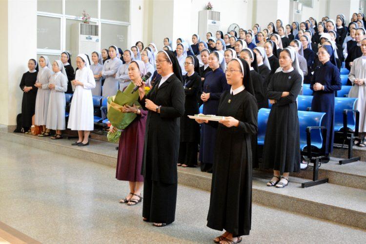 03092019 101226 8 750x501 - Liên Dòng Nữ khai giảng năm học mới
