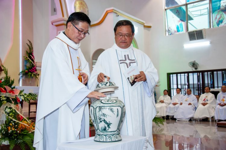 04092019 184820 1 750x499 - Lễ nhậm chức tân chánh xứ tại Giáo xứ Tử Đình