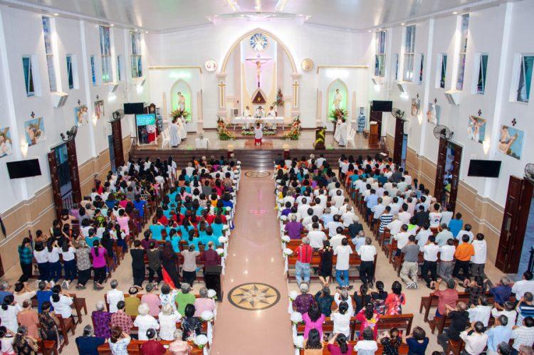 04092019 184918 12 750x499 - Lễ nhậm chức tân chánh xứ tại Giáo xứ Tử Đình