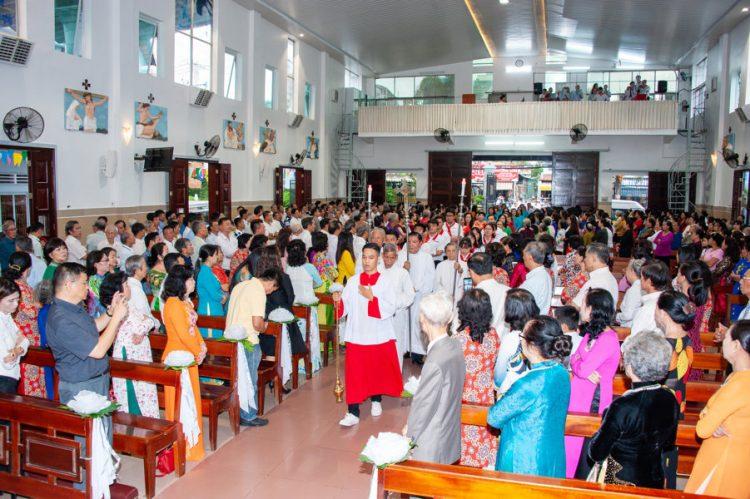 04092019 184918 2 750x499 - Lễ nhậm chức tân chánh xứ tại Giáo xứ Tử Đình