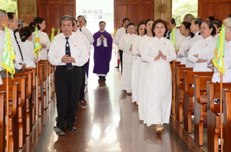 06092019 213520 2 750x494 - Giáo hạt Tân Sơn Nhì: Thánh lễ cầu cho ân nhân và thân nhân dòng Đaminh