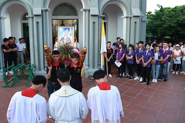 16173 phong doanh 4 - Giới trẻ giáo họ Phong Doanh quyết tâm theo gương thánh Quan thầy