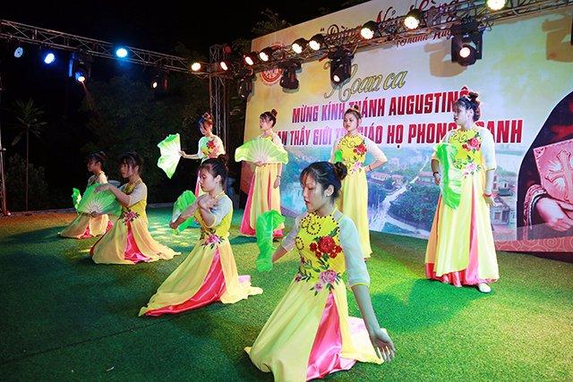 16173 phong doanh 9 - Giới trẻ giáo họ Phong Doanh quyết tâm theo gương thánh Quan thầy