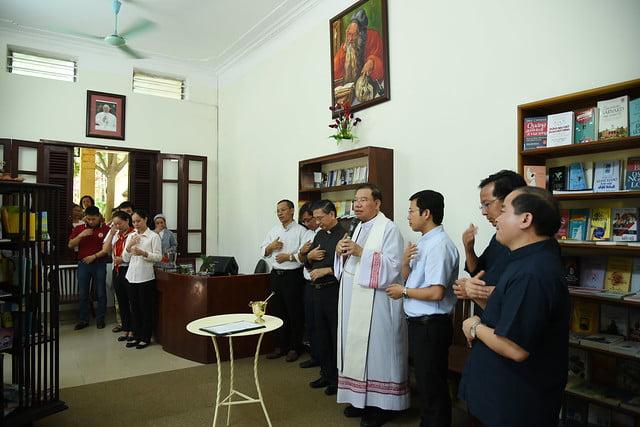 16208 phong doc 2 - Khai trương Văn phòng Thiếu nhi và Phòng đọc sách tại Tòa TGM Hà Nội
