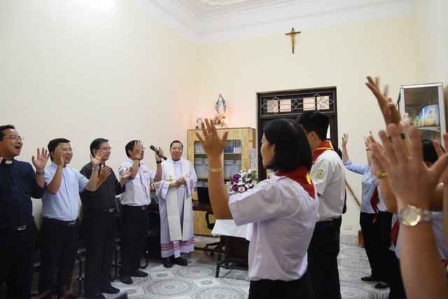 16208 thieu nhi 2 - Khai trương Văn phòng Thiếu nhi và Phòng đọc sách tại Tòa TGM Hà Nội
