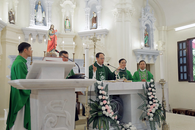 16215 gh quang san 10 - Hình ảnh - Ngày chầu Thánh Thể tại giáo họ Quang Sán