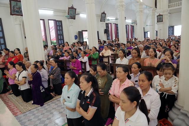 16215 gh quang san 12 - Hình ảnh - Ngày chầu Thánh Thể tại giáo họ Quang Sán