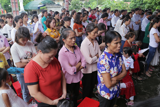 16215 gh quang san 4 - Hình ảnh - Ngày chầu Thánh Thể tại giáo họ Quang Sán
