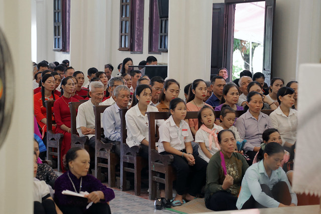 16215 gh quang san 9 - Hình ảnh - Ngày chầu Thánh Thể tại giáo họ Quang Sán
