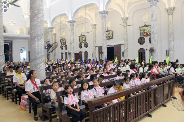 16216 phu oc 6 - Giáo xứ Phú Ốc: Thánh lễ khai giảng năm học mới 2019 – 2020