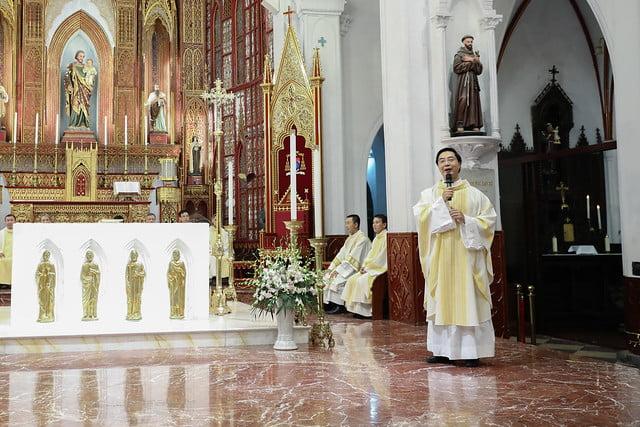 16228 khoa v 2 - Thánh lễ tạ ơn kỷ niệm 18 năm linh mục của 9 linh mục khóa V