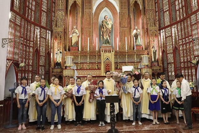 16228 khoa v 5 - Thánh lễ tạ ơn kỷ niệm 18 năm linh mục của 9 linh mục khóa V