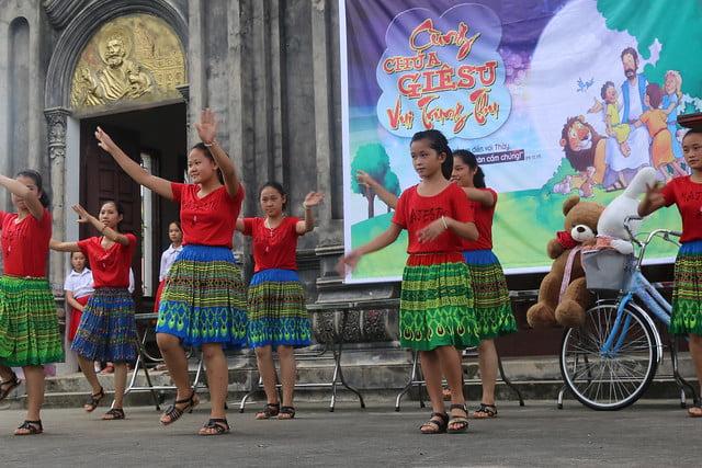 16278 trung thu 6 - Caritas Hà Nội: Trung Thu với các em thiếu nhi có hoàn cảnh đặc biệt