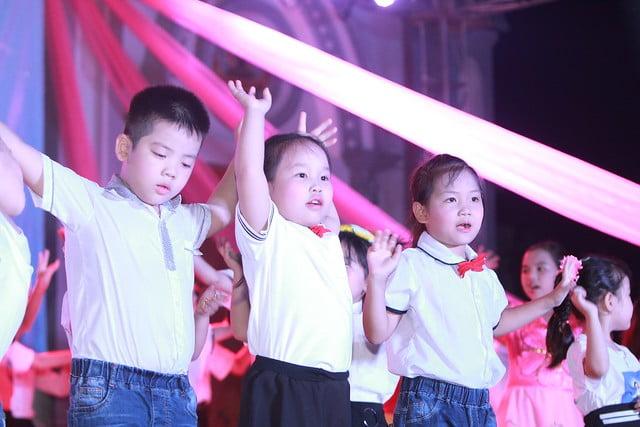 """16316 trung thu 11 - Thiếu nhi giáo xứ Lảnh Trì: Ngày hội """"Tuổi thơ bên Chúa"""""""