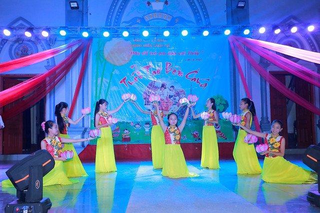 """16316 trung thu 12 - Thiếu nhi giáo xứ Lảnh Trì: Ngày hội """"Tuổi thơ bên Chúa"""""""