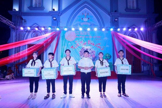 """16316 trung thu 13 - Thiếu nhi giáo xứ Lảnh Trì: Ngày hội """"Tuổi thơ bên Chúa"""""""