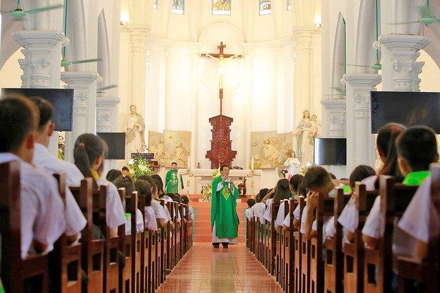 """16316 trung thu 8 - Thiếu nhi giáo xứ Lảnh Trì: Ngày hội """"Tuổi thơ bên Chúa"""""""