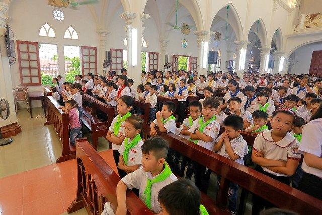 """16316 trung thu 9 - Thiếu nhi giáo xứ Lảnh Trì: Ngày hội """"Tuổi thơ bên Chúa"""""""