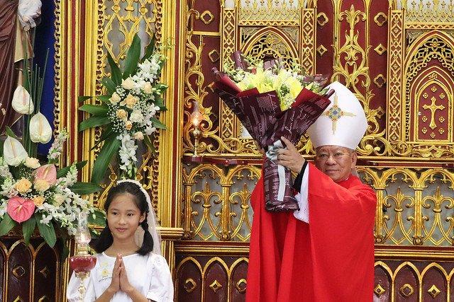 16323 them suc 8 - Giáo xứ Thụy Ứng: 51 em thiếu nhi lãnh nhận ấn tín ơn Chúa Thánh Thần