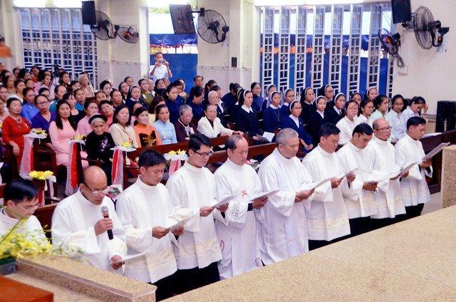 16328 khan dong 4 - Hồng ân thánh hiến của Hiệp hội thánh Phao-lô Tông đồ dân ngoại tại Sài Gòn