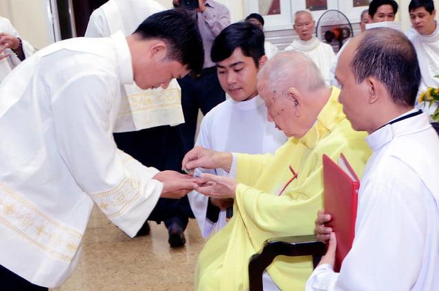 16328 khan dong 5 - Hồng ân thánh hiến của Hiệp hội thánh Phao-lô Tông đồ dân ngoại tại Sài Gòn