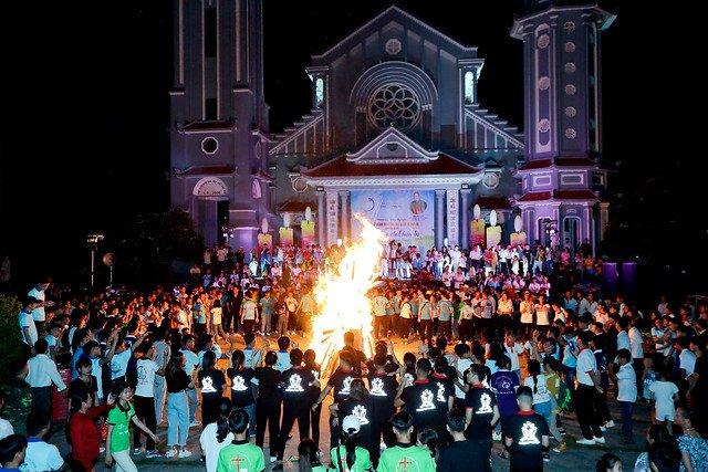 16335 phu oc 16 - Lần đầu tiên giới trẻ giáo xứ Phú Ốc mừng lễ Đấng bảo trợ