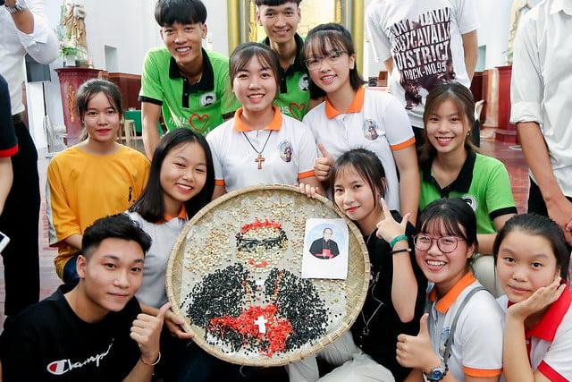 16335 phu oc 2 - Lần đầu tiên giới trẻ giáo xứ Phú Ốc mừng lễ Đấng bảo trợ