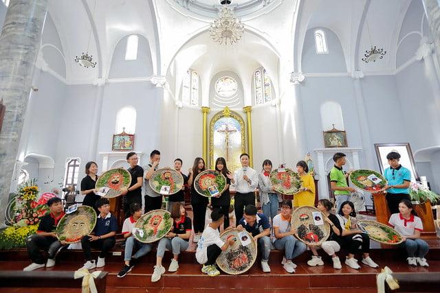 16335 phu oc 3 - Lần đầu tiên giới trẻ giáo xứ Phú Ốc mừng lễ Đấng bảo trợ